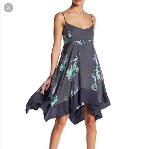 Free People Dresses & Skirts - Free people floral print SZ XS
